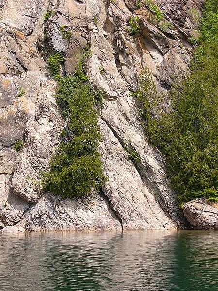 slate_islands_shattercone